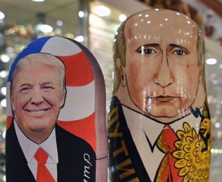 Matriushkas con los rostros de Trump y Putin