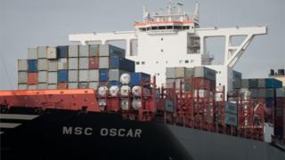 Ship enters Felixstowe port