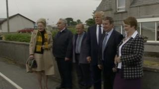 Donald Trump and his sister Maryanne (left) on their visit to Tong