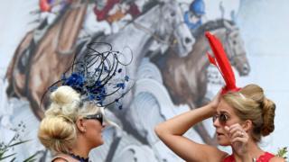 Лошади и шляпки - красота