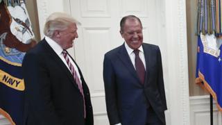 Tramp hafta Oq Uyda Rossiya Tashqi ishlar vaziri Sergey Lavrov bilan uchrashgandi.