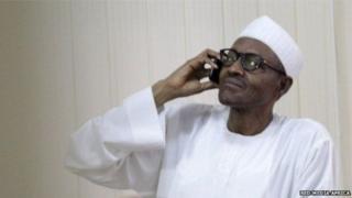 Perezida Muhammadu Buhari arimo guterefona
