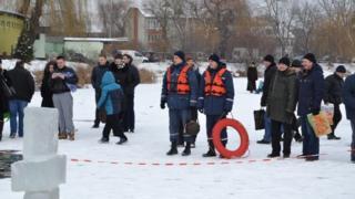 Кому праздник, а кому - работа. Во избежание несчастных случаев, на водоемах страны дежурят почти 3 тысячи спасателей