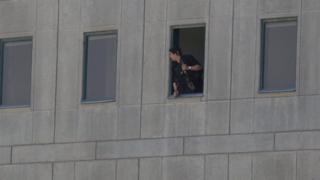 Rehine krizinin yaşandığı Meclis binasında polisler operasyon başlattı