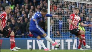 تشيلسي يستعيد توازنه بفوز كبير على ساوثهامبتون بأربعة أهداف لهدفين في الدوري الانجليزي