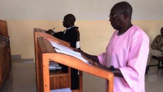 Dr Munyakazi yasohotse muri sentare