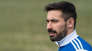 Argentinian football player Ezequiel Lavezzi arrives at a training session of the Argentinian national team at Georgetown University in Washington, DC