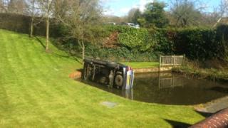 The car found itself in Castle Pond , Framlingham