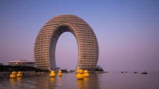Sheraton Hot Spring Resort, rubber ducks at the front, Taihu Lake, Huzhou, Zhejiang, China