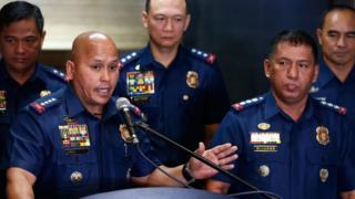 โรนัลด์ เดลา โรซา ผู้บัญชาการตำรวจแห่งชาติฟิลิปปินส์