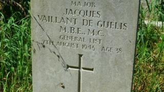 Grave of Major Jacques de Guelis