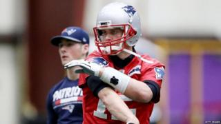 "Patriots' quarterback Tom Brady advocates for an ""alkeline"" diet to lower the blood's PH levels"