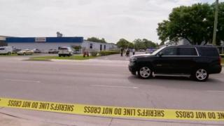 Eneo la tukio limezingirwa na maafisa wa polisi huko Orlando