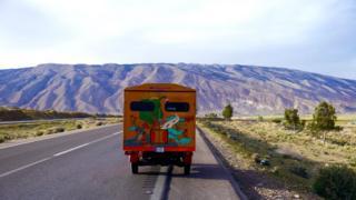 Naveen Rabelli & his solar tuk tuk on road from Bandar Abbas to Shiraz, Iran (photo Naveen Rabelli) 2