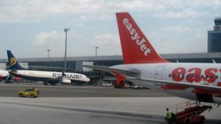 Easyjet and Ryanair planes