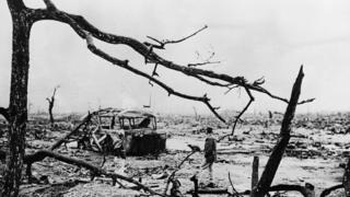 1945年日本投降后,美军在广岛拍摄的一张照片仍显示一片浩劫后的惨状