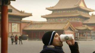 Một khách du lịch nước ngoài ở Trung Quốc