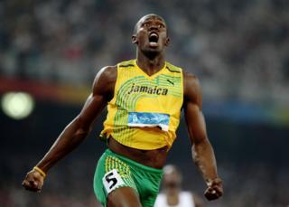 Усэйн Болт устанавливает новый мировой рекорд во время Олимпиады в Пекине в 2008 году