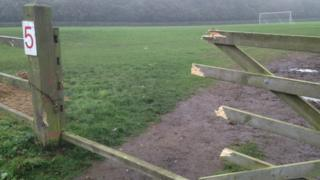 A broken gate at Oliver's Mount