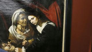 見つかった絵画に対しては、フランス国外への持ち出しが2年半禁じられている
