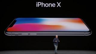 Laçamento do iPhone X na Califórnia