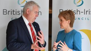 Carwyn Jones a Nicola Sturgeon