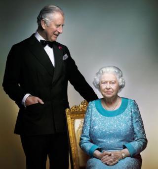 Королева и принц Чарльз