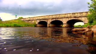Мост на границе Ирландии и Соединенного Королевства