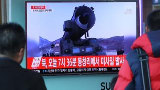 3月6日,韓國電視台播放了朝鮮導彈試射的錄像