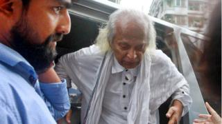 উদ্ধারের পর আদাবর থানায় নিয়ে আসা হয় ফরহাদ মজহারকে