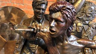 Bowie statue