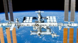 Космическая станция на орбите