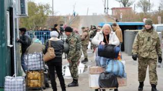 Пункт пропуску у Станиці Луганській