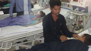 गोरखपुर में 30 बच्चों की मौत