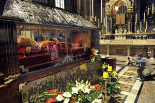 Tomb of beatified Cardinal Alojzije Stepinac in Zagreb cathedral, 31 May 11