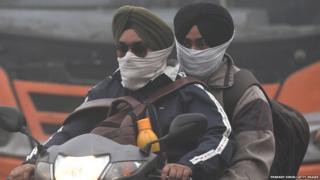 SMOG LEAD TO COVER FACES IN DELHI