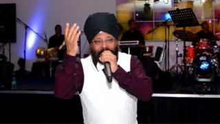 Jasbir Wouhra at a performance