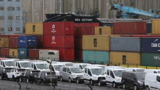 Containers wait for export