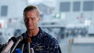美国第七舰队司令奥库安中将在横须贺美国舰队基地会见记者(18/6/2017)