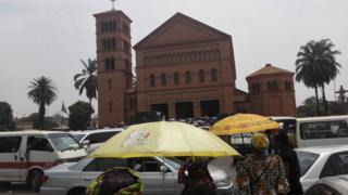 Des habitants de Lubumbashi se sont mobilisés lundi pour la veillée de prières en mémoire du prêtre assassiné.