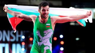 Tarek Abdul Salam with a Bulgarian flag after his win