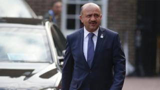 Savunma Bakanı Fikri Işık
