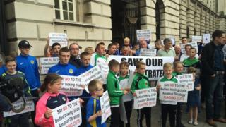 boxing protest outside city hall