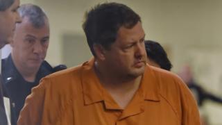 コーレップ容疑者には2003年にバイク店で4人を殺害した容疑がかけられている