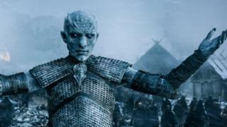 """بعض التقارير ذكرت أن النسخة السابعة من المسلسل تنبئ """"بعودة وحشية ودموية في فصل الشتاء إلى قارة ويستروس الخيالية."""""""