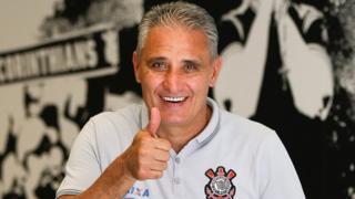 Adenor Leonardo Bacchi, más conocido como Tite, es un exfutbolista de 55 años.