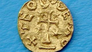 Gold tremissis, Merovingian