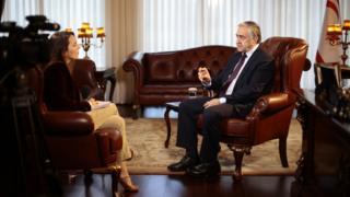 Kuzey Kıbrıs lideri Mustafa Akıncı, Lefkoşa'da BBC Türkçe'den Selin Girit'in sorularını yanıtladı