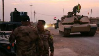 Iraqi tank on outskirts of Mosul