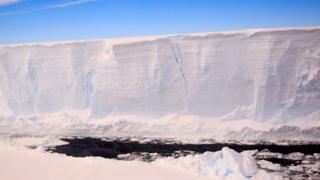 Giant ice berg A68 (c) BAS